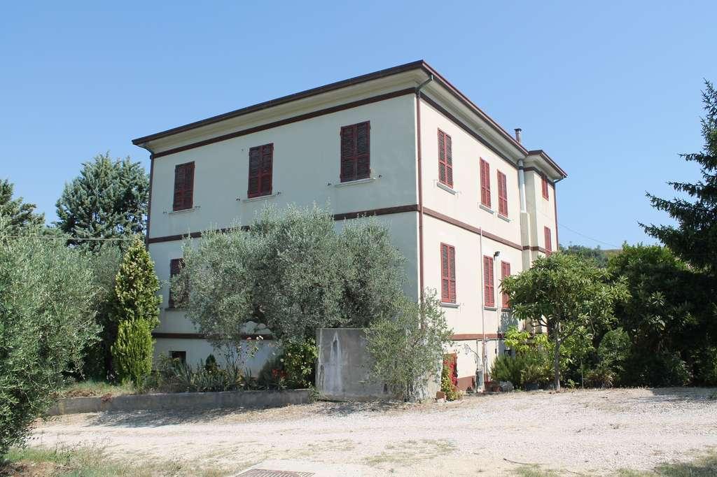 Casa singola mq 450